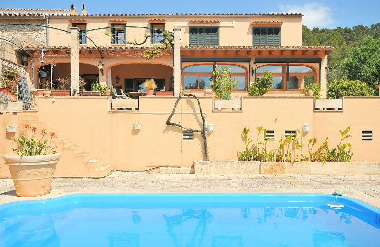 Property for Sale in Semi-detached Village Property With Swimming For Sale S'Arraco, Mallorca, Spain