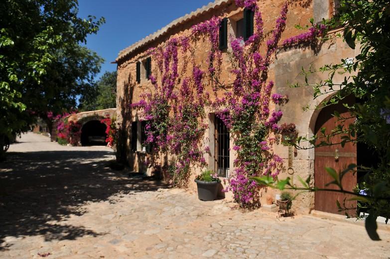Property for Sale in Santa Eugenia, Seventeenth Century  Mallorcan Estate For Sale Near Santa Maria, Mallorca, Spain