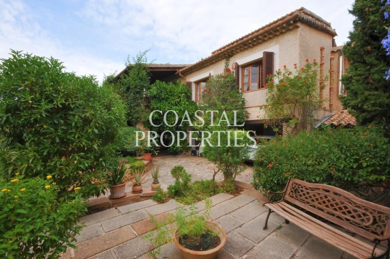 Property for Sale in Portol, Country house with 3 bedrooms for sale to the village Portol, Mallorca, Spain