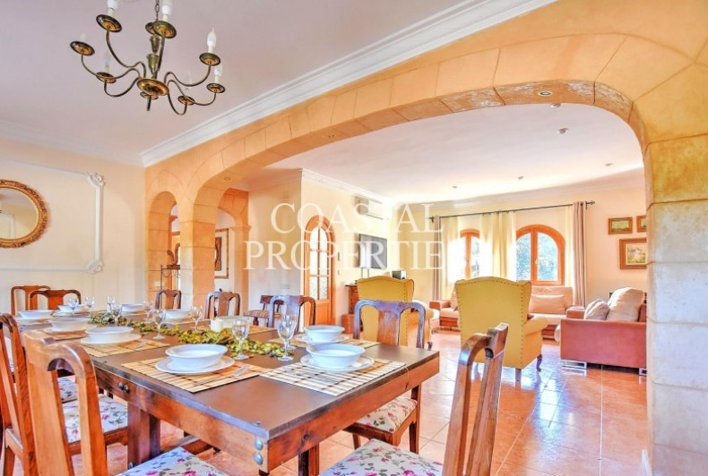 Property for Sale in Fabulous 5 bedroom, 4 bathroom country house with tourist license Llucmajor, Mallorca, Spain