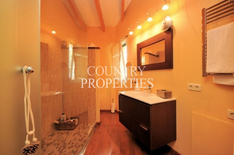 Property for Sale in Calvia , Country House For Sale With Swimming Pool  Calvia, Mallorca, Spain