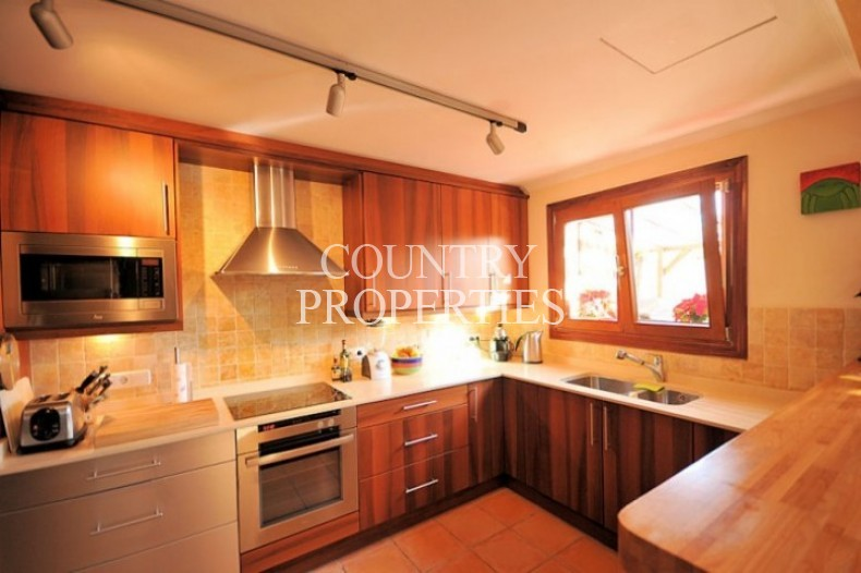 Property for Sale in Calvia Village,  House For Sale In The Popular Village Of Calvia Village, Mallorca, Spain